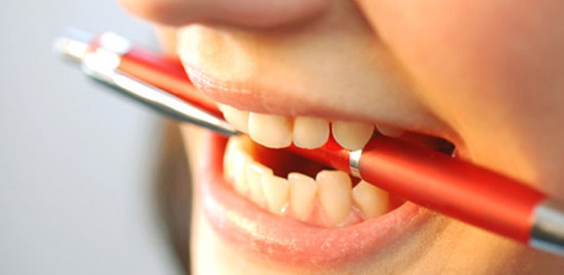 teeth-grinding-causes-800x390