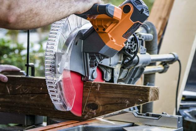 choosing a miter saw